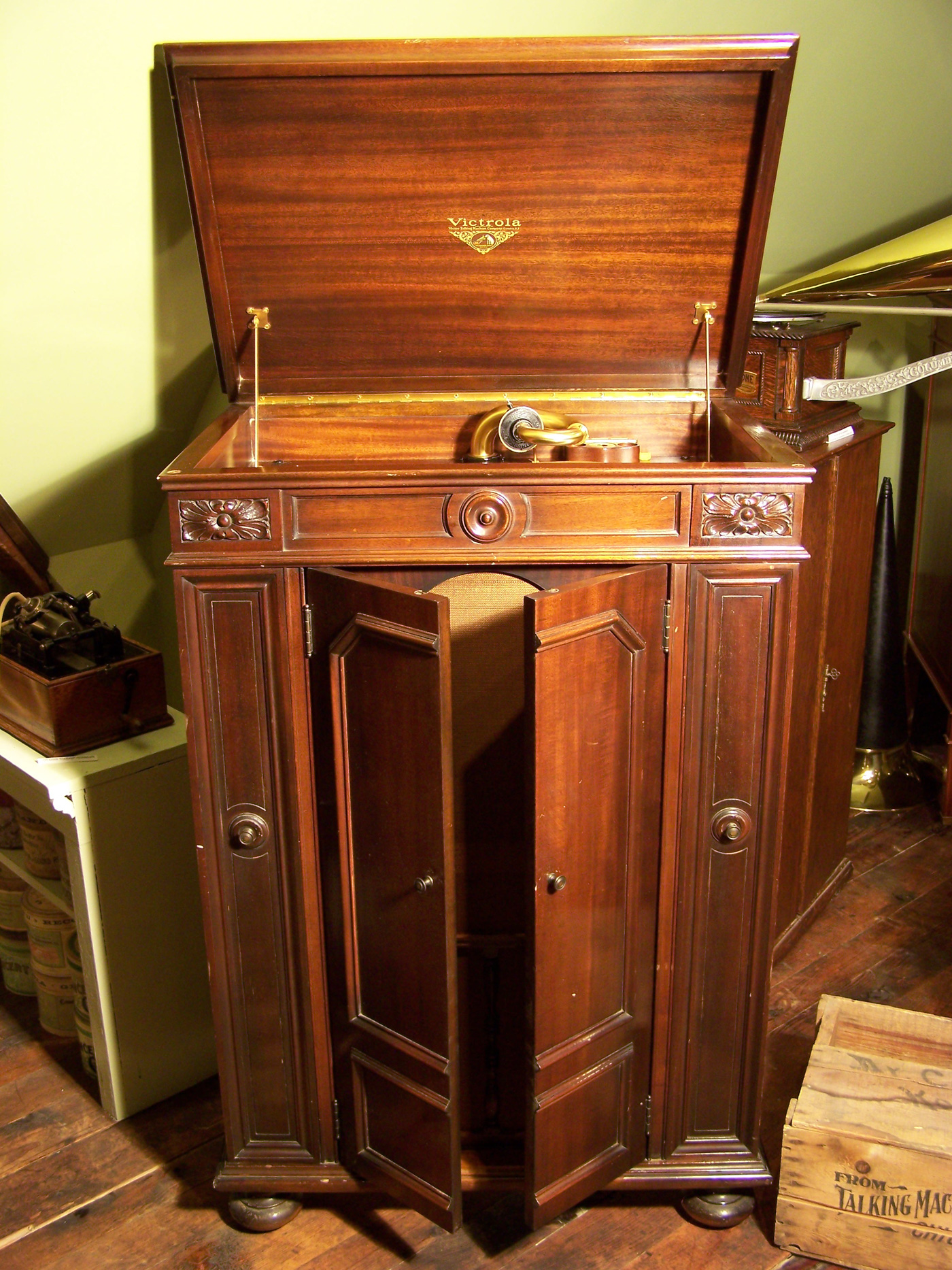 Encountering Antique Phonographs The Antique Phonograph Society